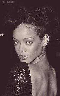 Rihanna Fenty MAQvSf