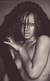Rihanna Fenty Q0hFNc