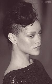 Rihanna Fenty 2owZ0R