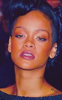 Rihanna Fenty Smo6s8