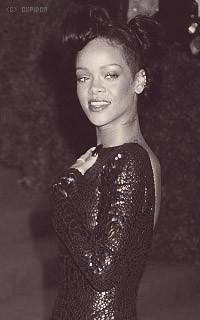 Rihanna Fenty JDyYbD