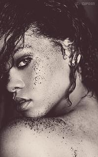 Rihanna Fenty YSSXJC