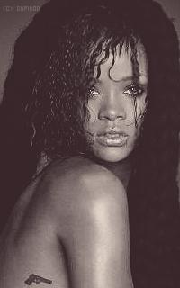 Rihanna Fenty ShTV9d