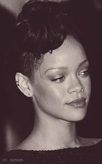 Rihanna Fenty I5oYN4