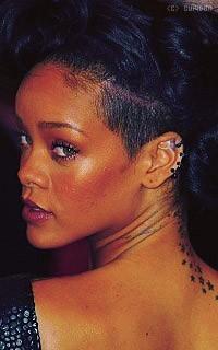 Rihanna Fenty L8YDkm