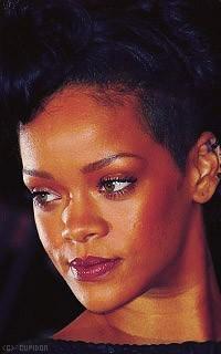 Rihanna Fenty KWklyI