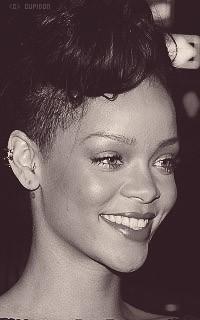 Rihanna Fenty ZPf1Qj
