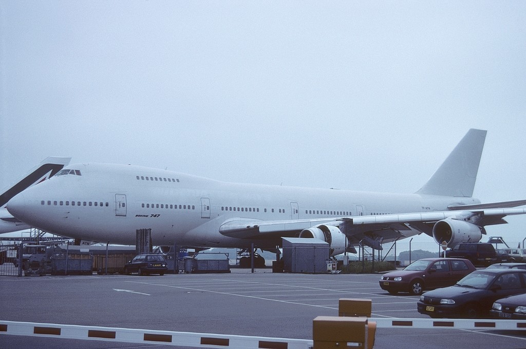 LUX-related B747s Qge0