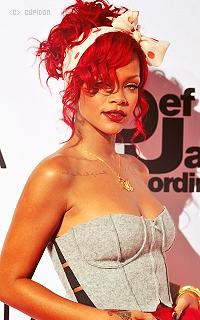 Rihanna Fenty 2q4l