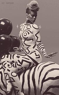 Rihanna Fenty FDKW4L