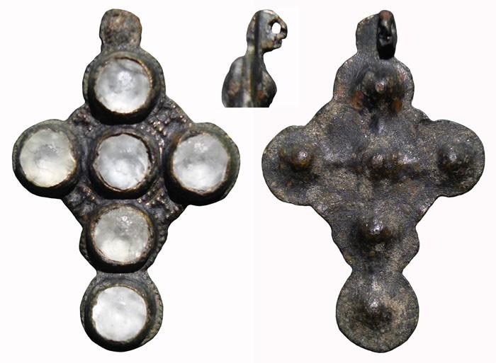Cruz con piedras ,  CC-022 A3qB9R