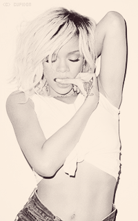Rihanna Fenty NLUmgv