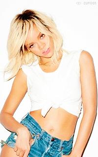 Rihanna Fenty SWUI16