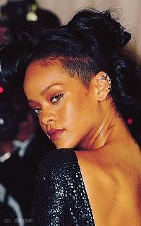 Rihanna Fenty VzPnl7