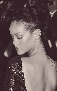 Rihanna Fenty U3bv0G