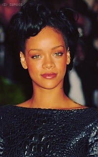 Rihanna Fenty QepZo6