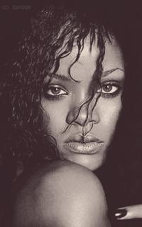 Rihanna Fenty Gqt97F
