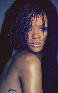 Rihanna Fenty WVGmfy