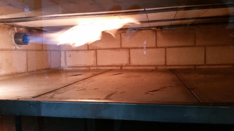 Mais um Forno Las Lenhas do Cheff Hassin construído em Salvador e pizzas sensacionais feitos neste forno! C75hQv