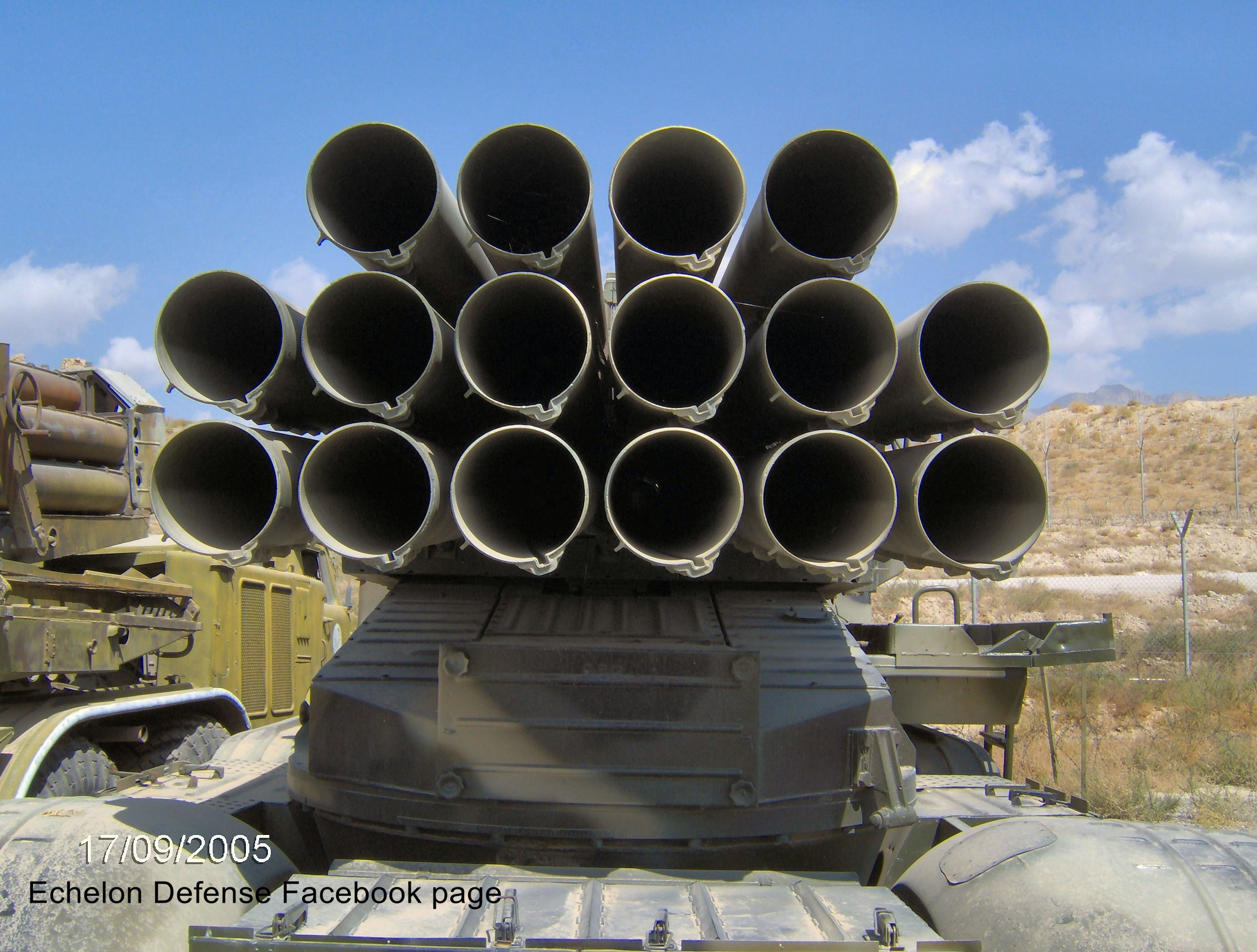 Russian MRLS: Grad, Uragan, Smerch, Tornado-G/S - Page 6 ArqYLv