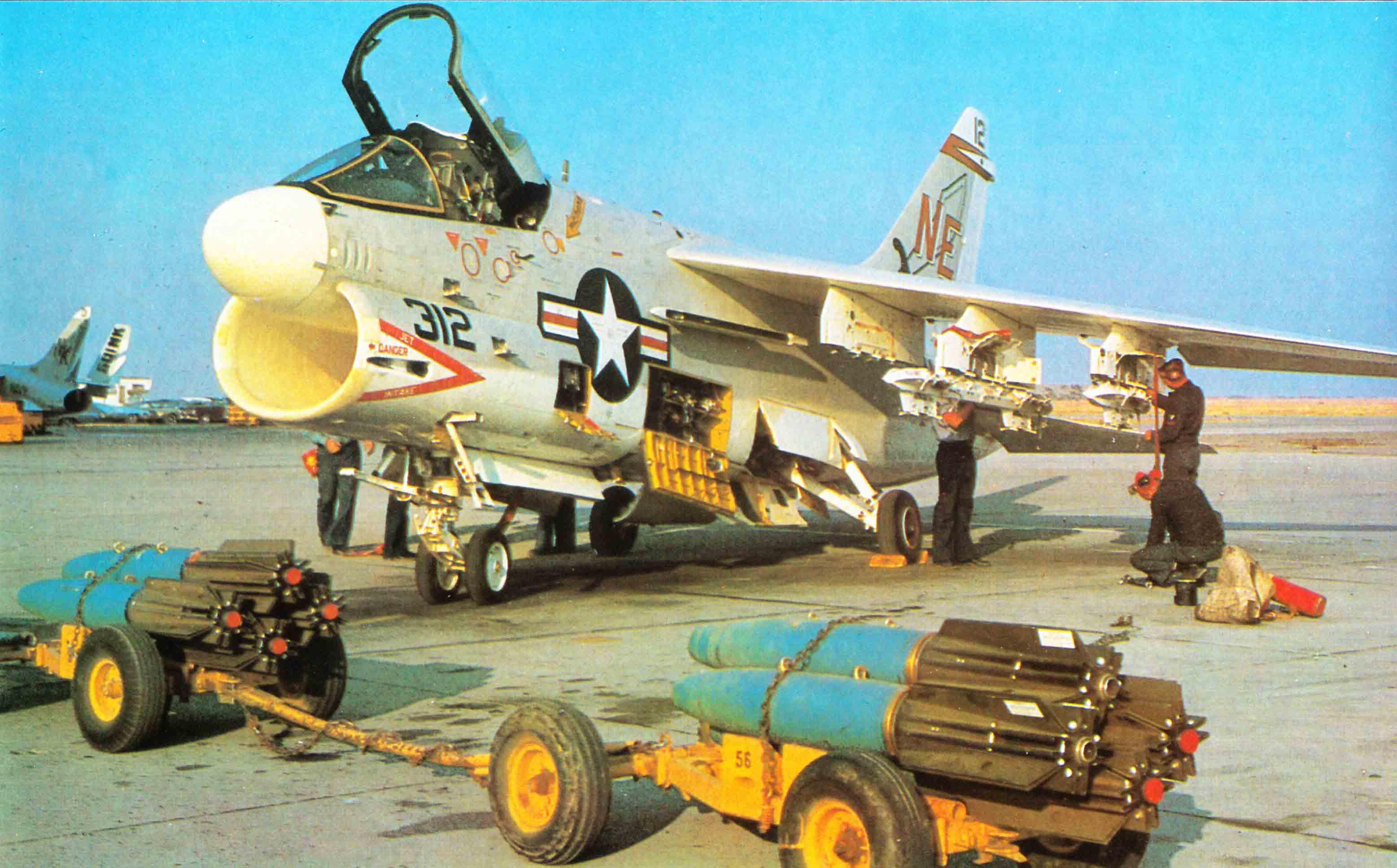 [Montage fini] A-7E Corsair II - 1/72 - Page 3 BR09CV