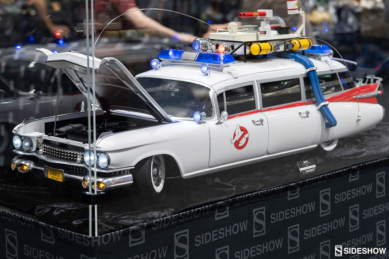 Ghostbusters - ECTO-1 - Page 2 3wTarC