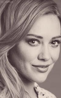 Hilary Duff 8zpBfD