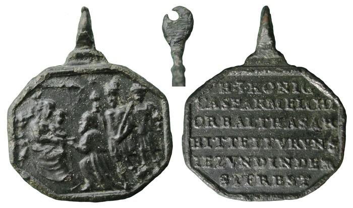 Algunas formas atípicas de medallas. Rxbhh9