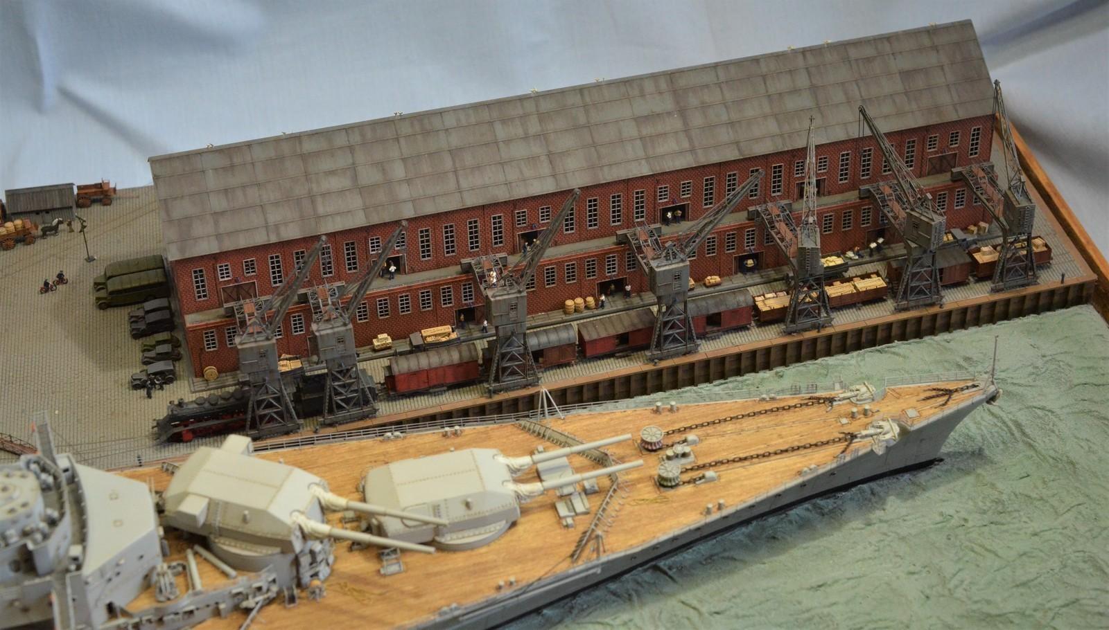 Grande grue 250 t port de Hambourg et Bismarck Revell au 1/350 - Page 11 GVEQOk