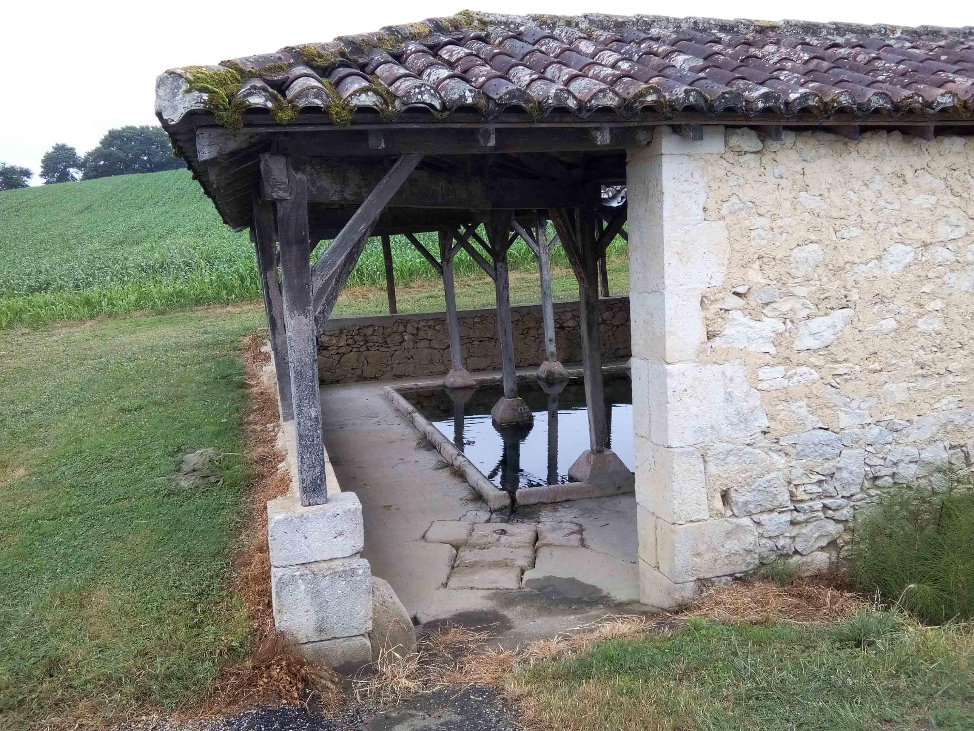 Village médiéval fortifié - Page 12 IQtSQc