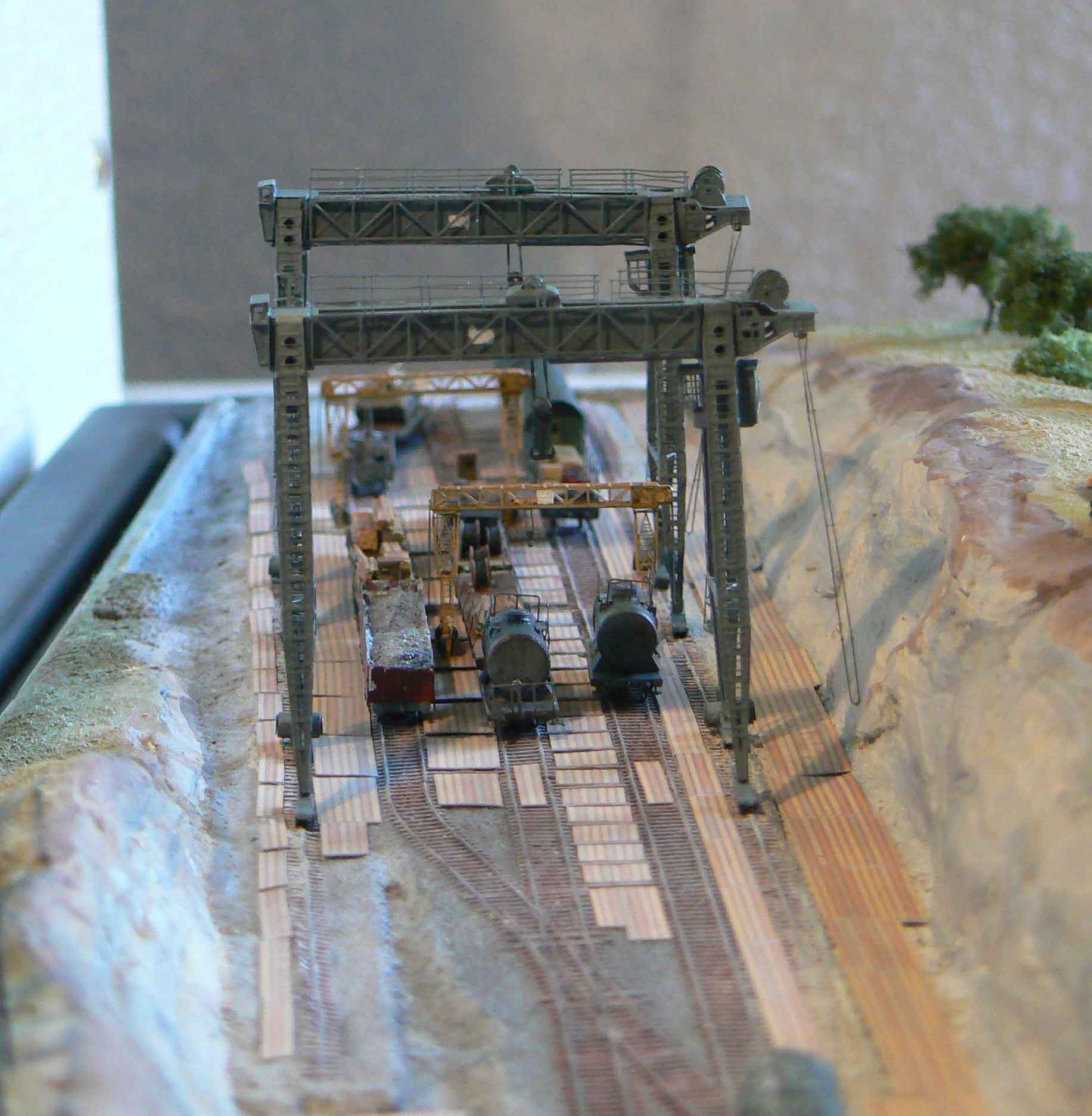 DORA German 80cm railway gun 1/350 Bigblueboy - Page 9 IrUY4u