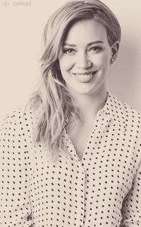 Hilary Duff Va2533