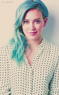 Hilary Duff UiaB1U
