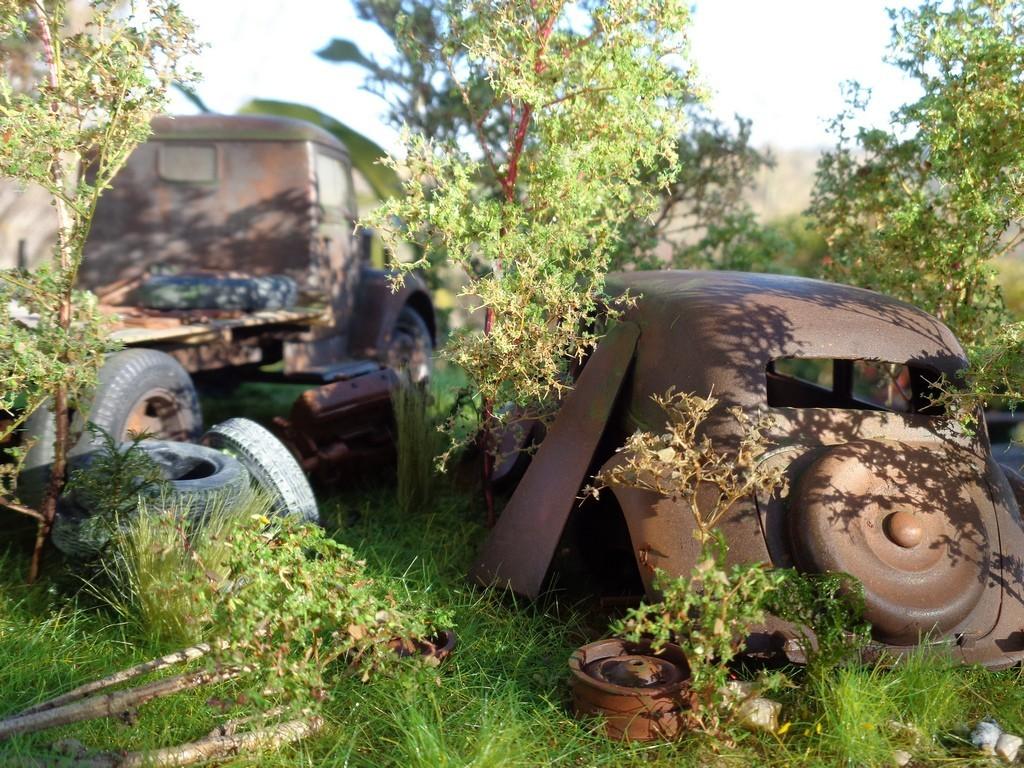 Scénette épaves Opel Blitz  et Traction 15cv - 1/24 V7xsza