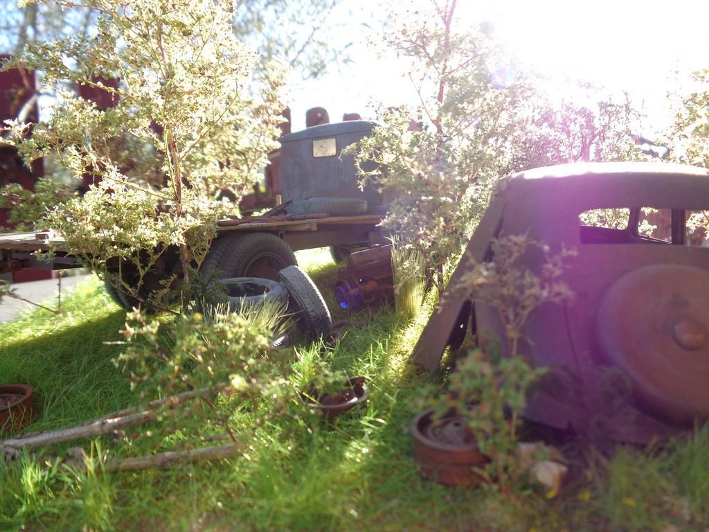 Scénette épaves Opel Blitz  et Traction 15cv - 1/24 B30t5R
