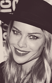 Lauren German XhFMH3