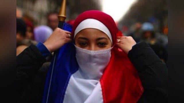 Main photo C'est à l'islam de s'adapter à la République