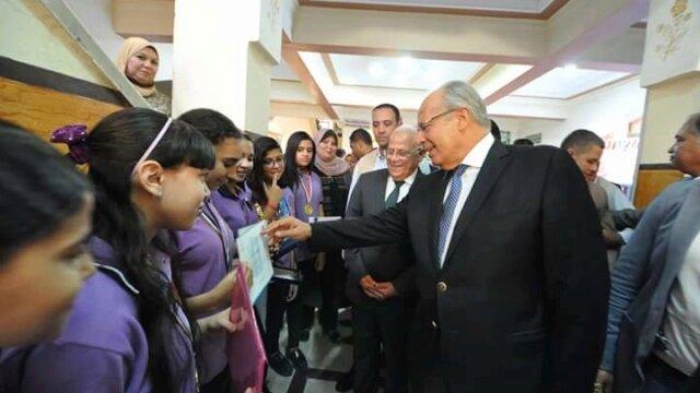 استقبال وزير التنمية المحلية