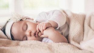 O que fazer quando a criança acorda à noite