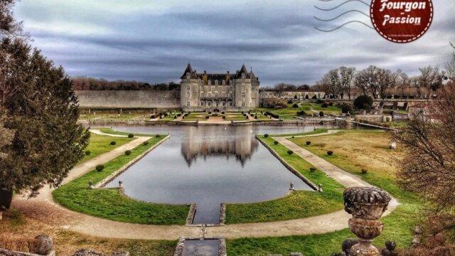 Main photo Château de la Roche courbon
