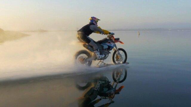 Main photo Robbie Madison va retourner sur l'eau en moto !