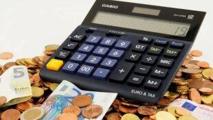 Les aides financières pour les parents solo