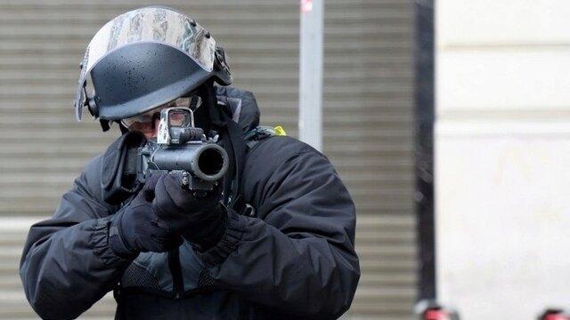 Main photo Cri d'alarme du Défenseur des droits